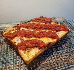 detroit stile pizza